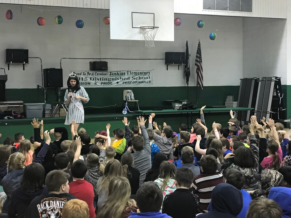 Miss Kentucky Visits J.E.S.